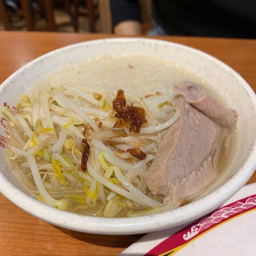 西門町的鴨肉扁為台北109青旅週邊推薦美食,推薦吃米粉